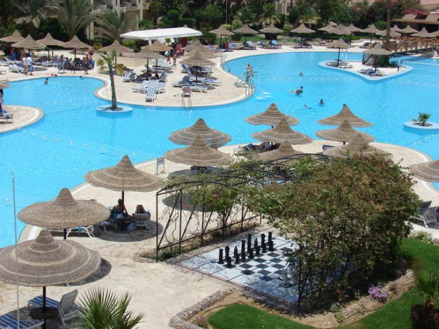 Отель Club Azur Resort 4*